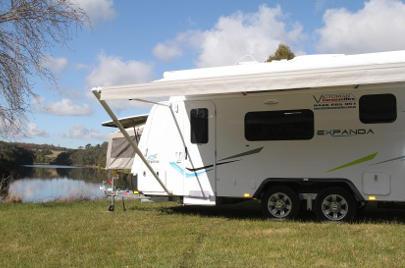 Caravan Hire Melbourne - Jayco Expanda – Club Lounge (18.58-2)